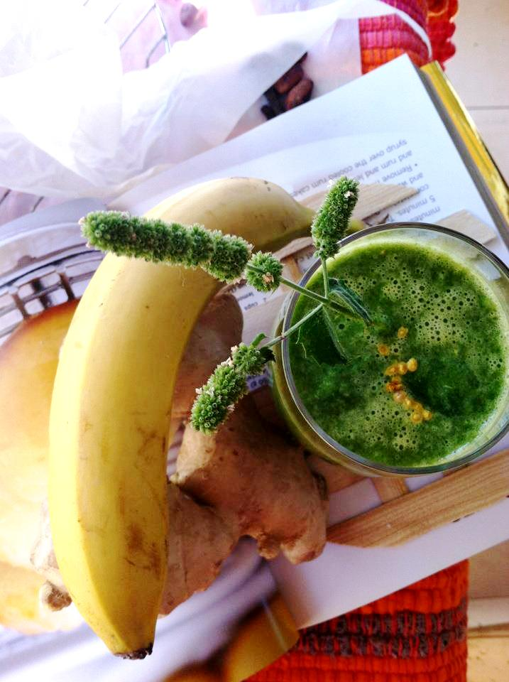 green banana ginger bee pollen smoothie fast and easy for your fat loss diet